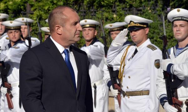 Президентът във Варна: Моряците – щит за народа