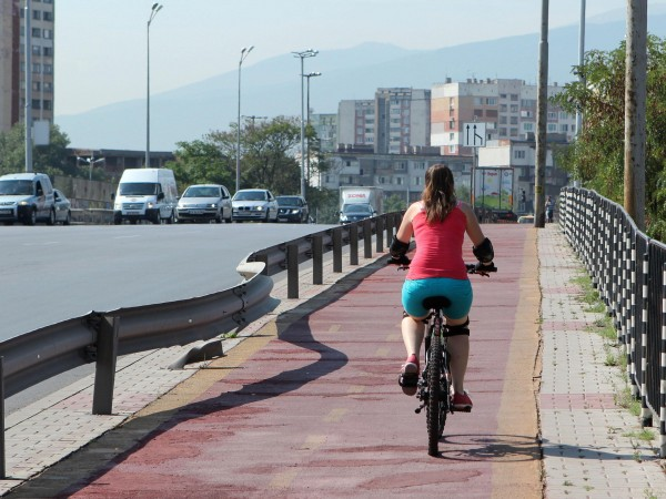 Скоростта на булевардите, на които има велоалеи, да бъде ограничена
