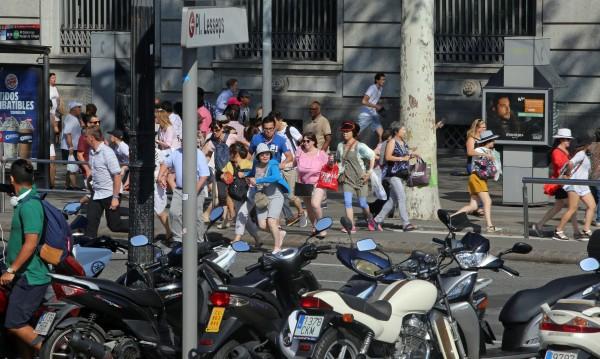 ИД е отговорна за ада в Барселона. Испания отвърна: Няма да ни сплашат!