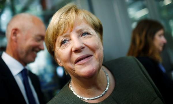 Едно си Меркел знае: Пускането на бежанците в ЕС – правилно!