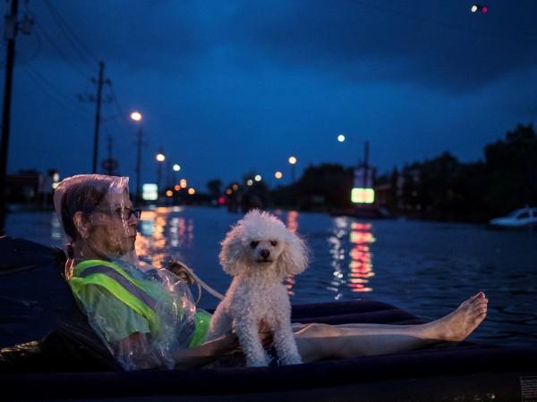 Тропическата буря Харви се очаква да донесе днес още дъжд