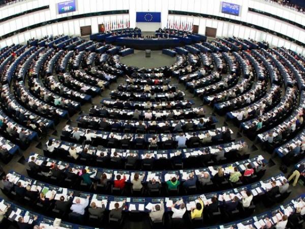 Европейският парламент иска да намали броя на депутатите, които сега