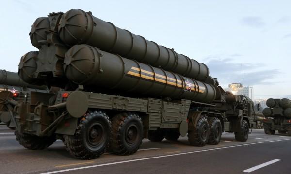Турция се отдалечава от НАТО със сделката за руските С-400