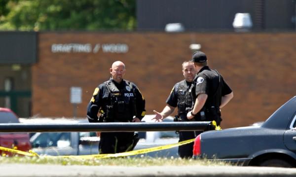 Ученик стреля в гимназия в САЩ, уби свой съученик