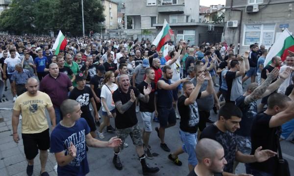Повдигнаха обвинения на биячите на децата в Асеновград