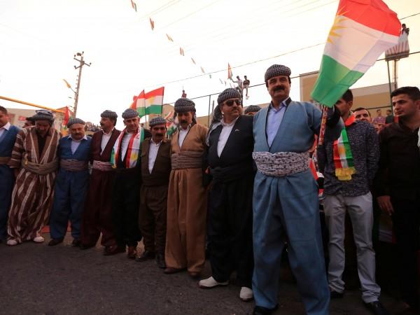 Към иракския премиер Хайдер ал Абади вчера бяха отправени призиви
