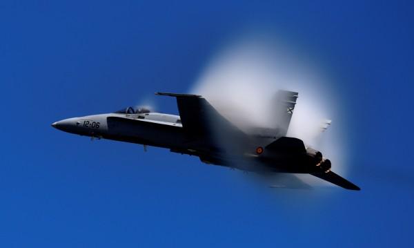 Испански военен самолет се разби, пилотът е загинал