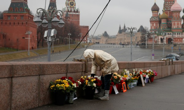 Идея в Киев: Паметник на Немцов насред градска градина