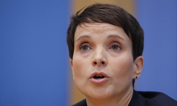 Фрауке Петри прави нова партия в Германия