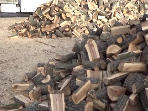 Проблем за хората, които се отопляват на дърва, се очертава