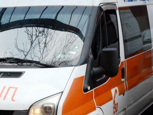 Снимка: Двама загинаха, а мъж е в тежко състояние заради задушаване