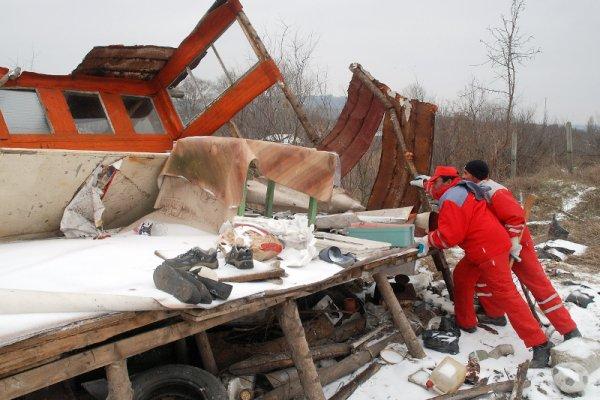 снос рыбацких домиков на берегу Варненского озера