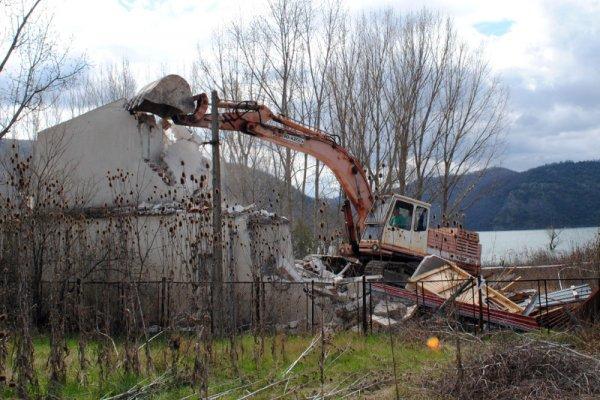 снос незаконных строений в болгарии